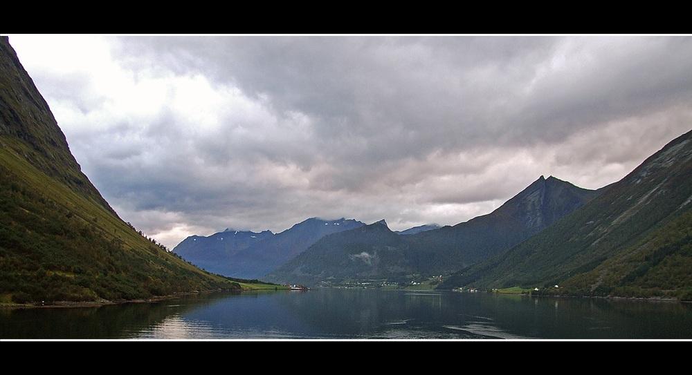 Fjord bei Oye