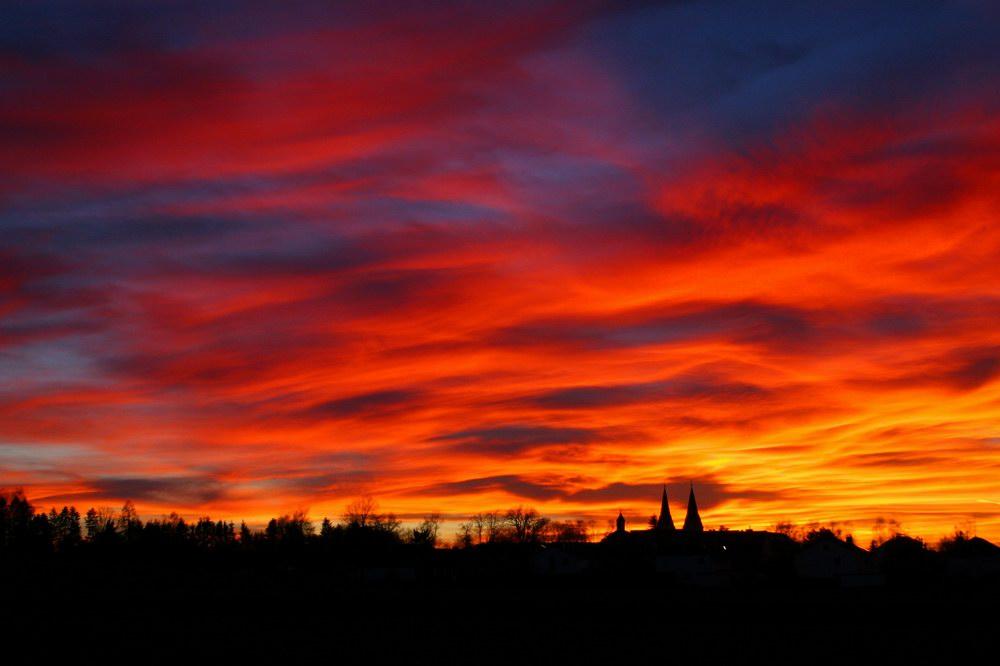Flammender Himmel über Markt Indersdorf