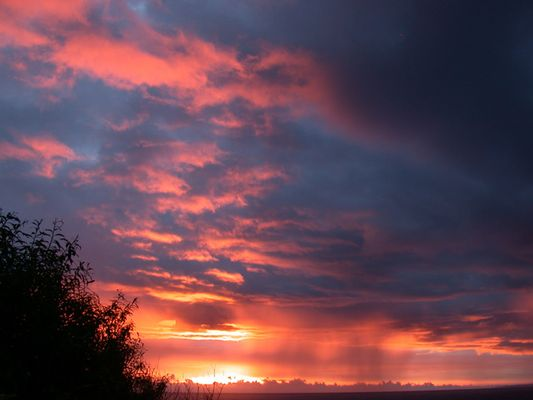 Flammender Himmel über Süd-Norwegen