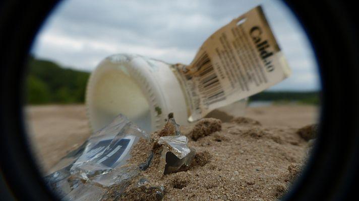 Flaschen am Strand