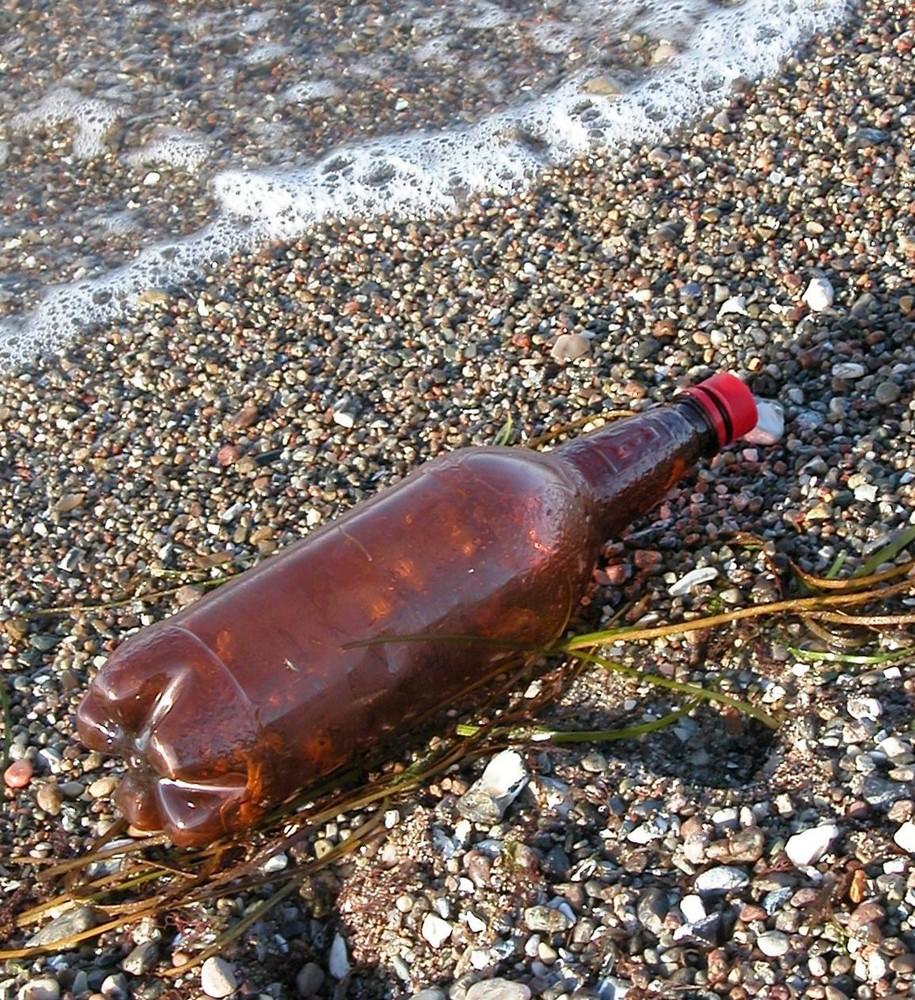 Flaschenpost ohne Text aber mit Botschaft
