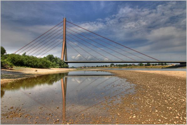 Fleher Brücke von Neuss aus gesehen :-)
