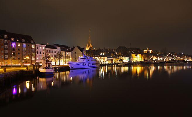 Flensburg an der Hafenspitze @ night