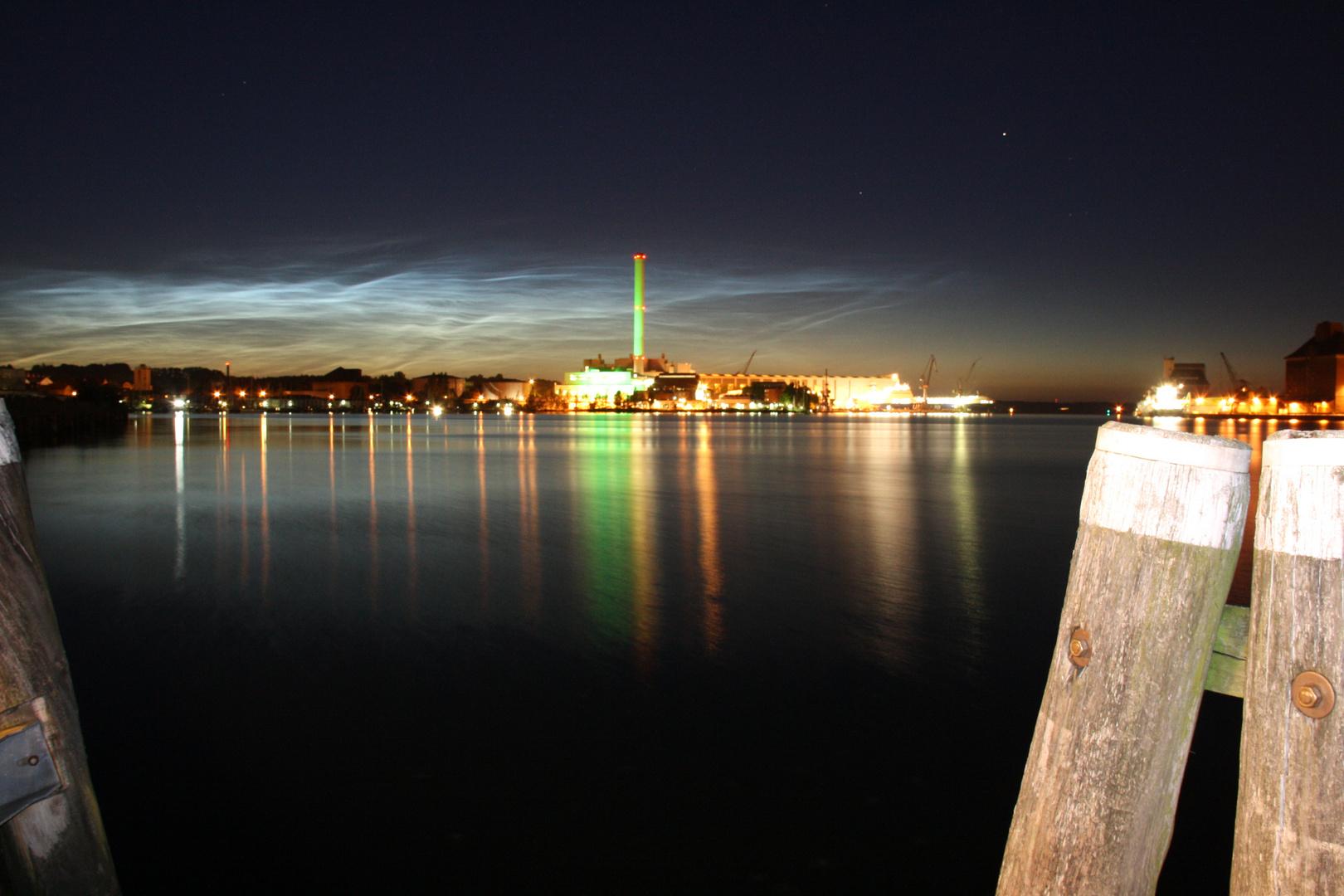 Flensburgs Werft+ Stadtwerke bei Nacht