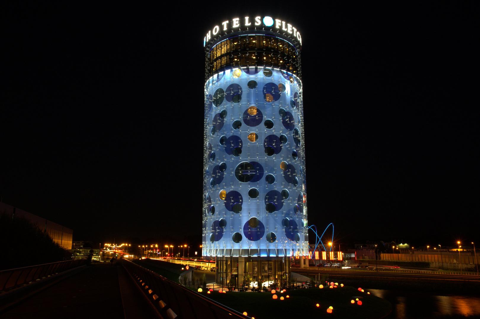 Fletcher Hotel Amsterdam bei Nacht