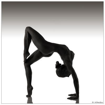 - flexible girl -
