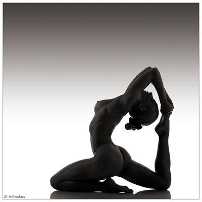 - flexible girl II -