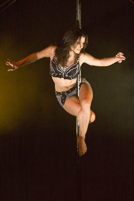 Flic Flac Underground - Pole Acrobatics