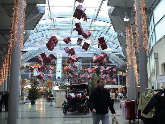 Fliegende Weihnachtspakete