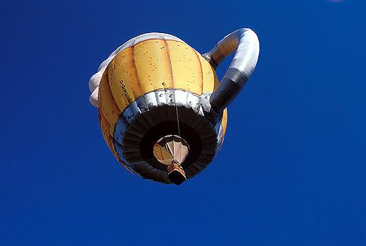 Fliegender Masskrug