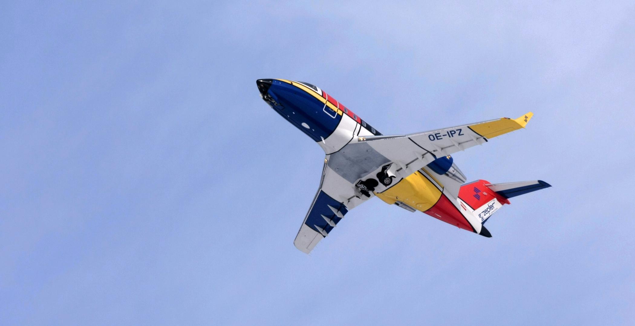 Fliegender Miro oder das Kunstwerk Flugzeug