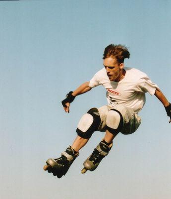Fliegender Skater