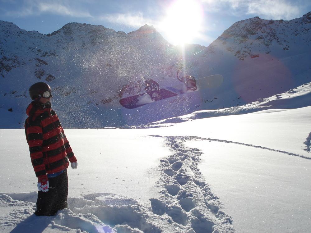 Fliegendes Snowboard