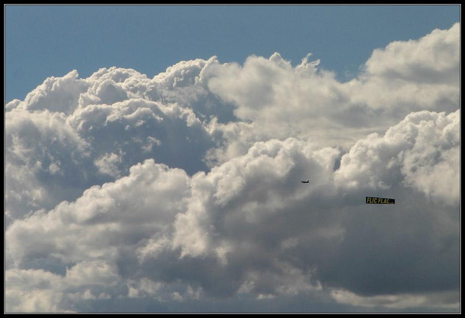 Fliegerin - grüß mir die Wolken
