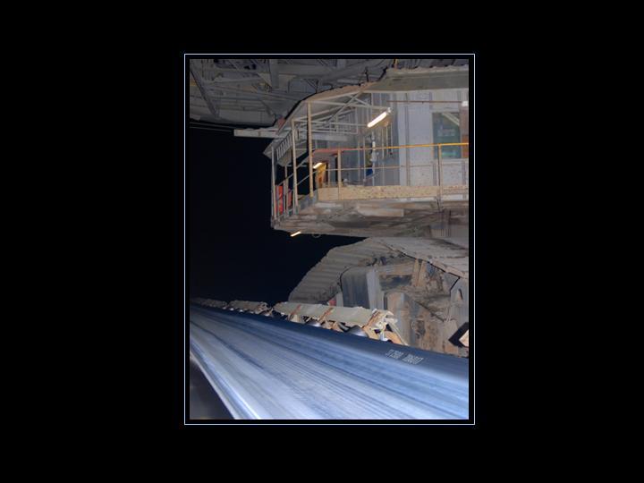 Fließband zur Verteilung der abgetragenen Kohle / Erdschichten