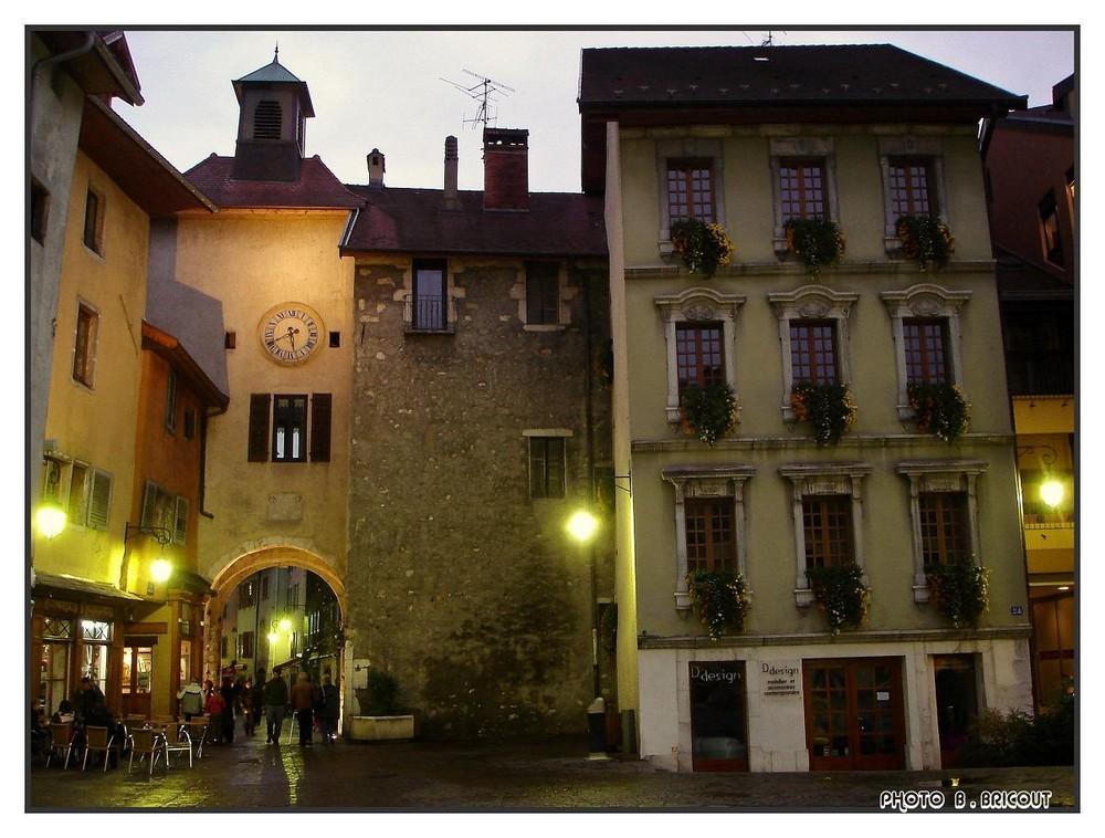 Flânerie nocturne dans Annecy