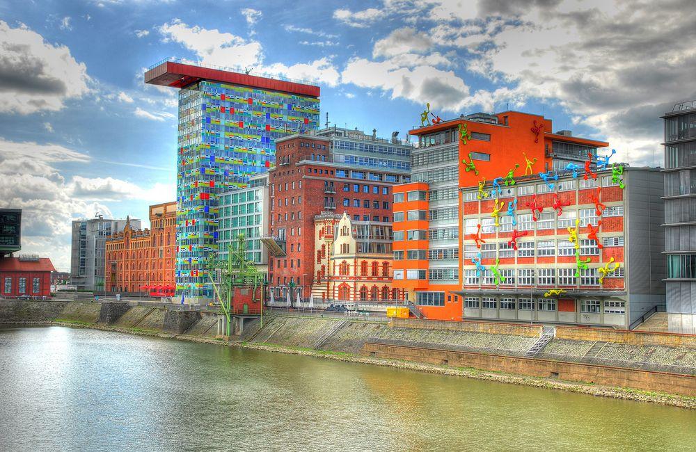 Flossies Im Duesseldorfer Hafen Foto Bild Architektur