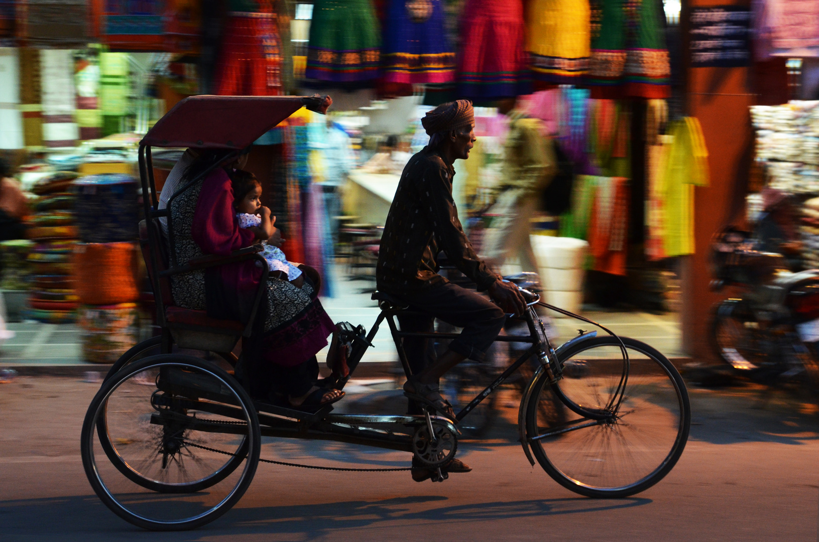 Flott über den Nehru Bazaar