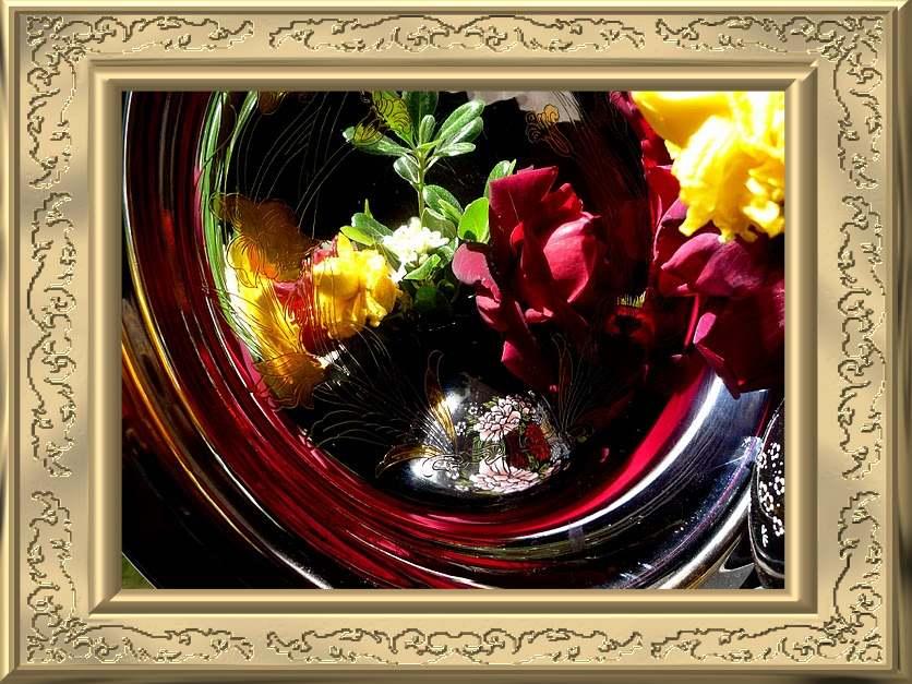 FLOWERS REFLEXION COMPOZITION