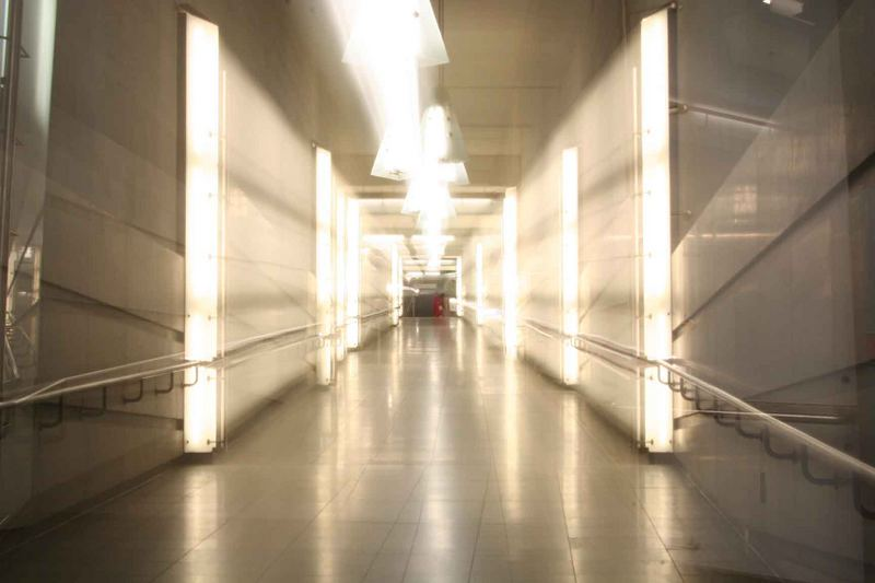 Flucht zum Lichttunnel