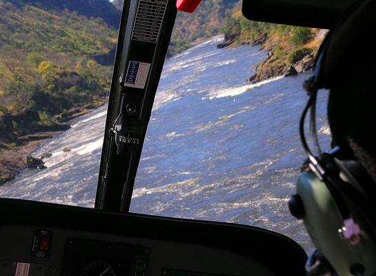 Flug durch die Zambezi Schlucht: Serie Vic Falls & Zambesi