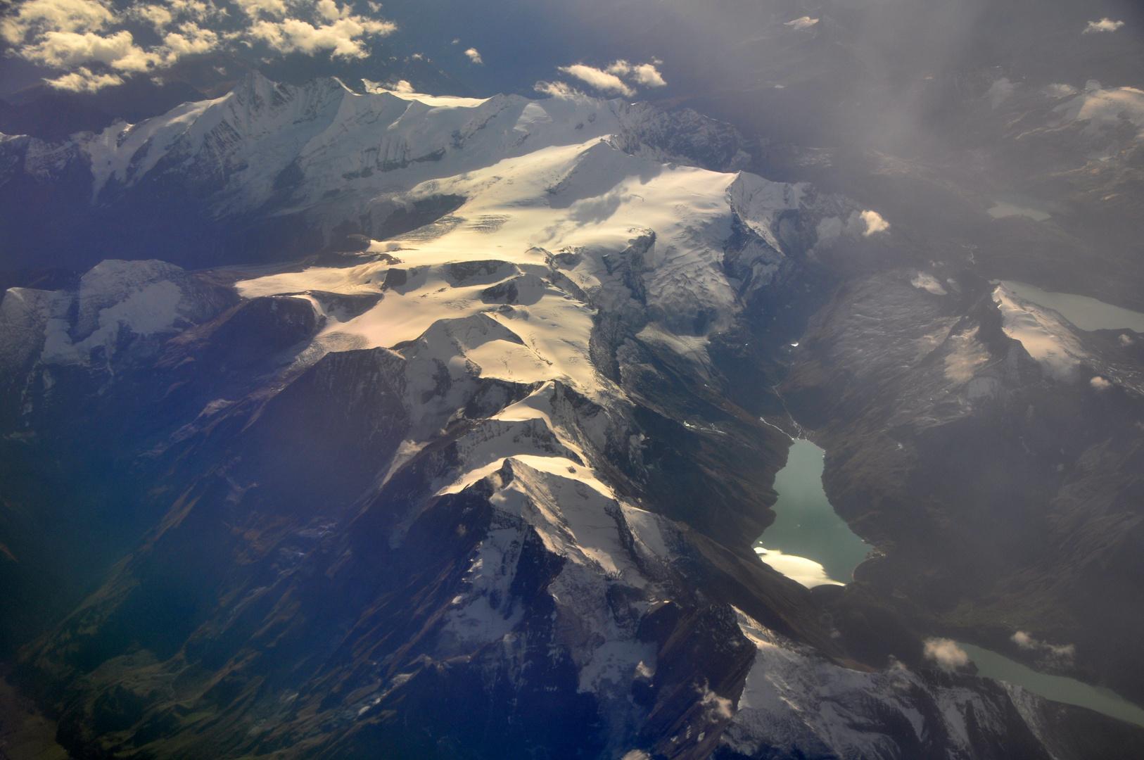 Flug über Jungfrau / Mönch