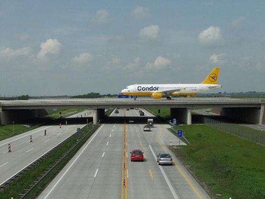 Flughafen-Leipzig-02