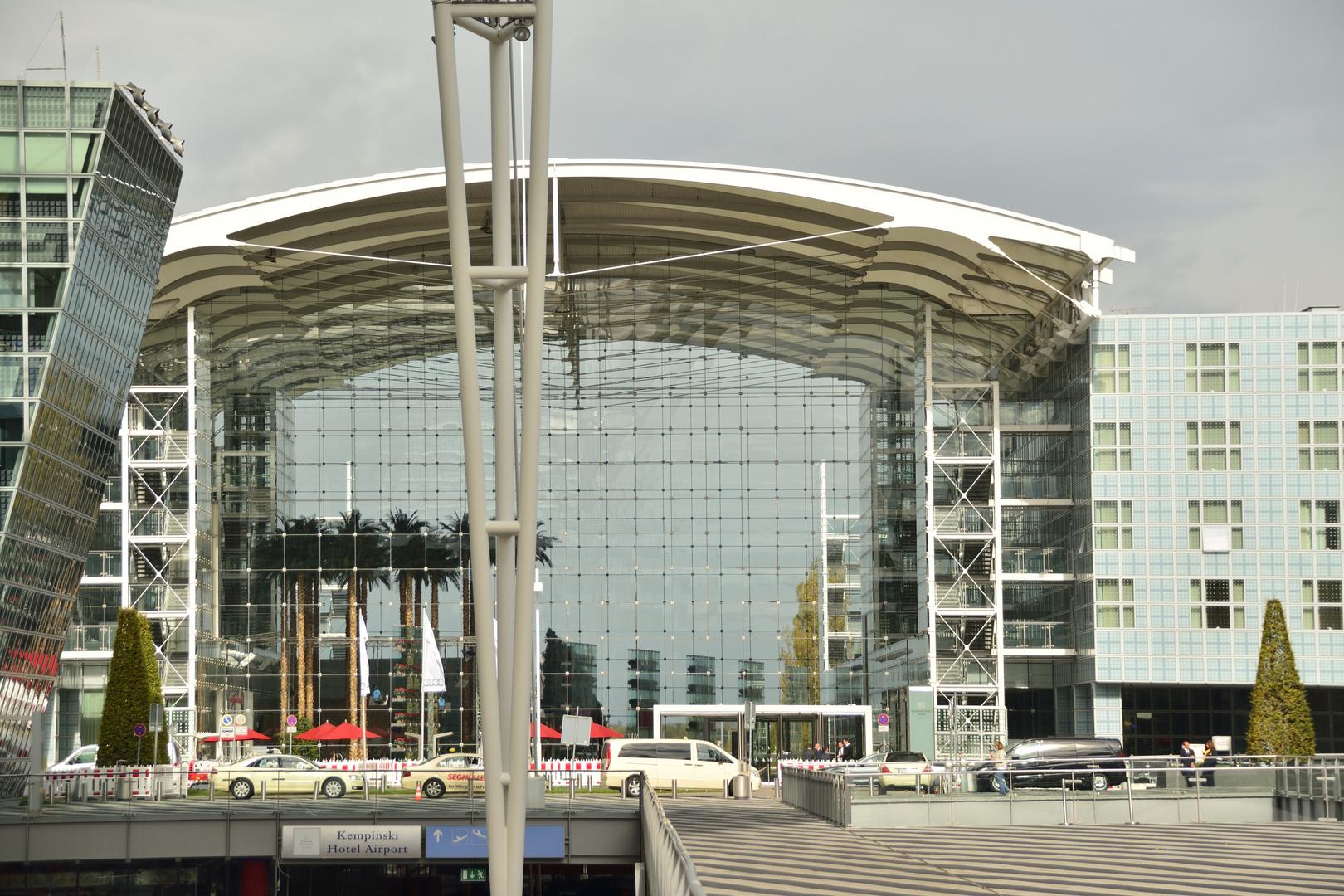 Flughafen München Hotel Kempinski ................