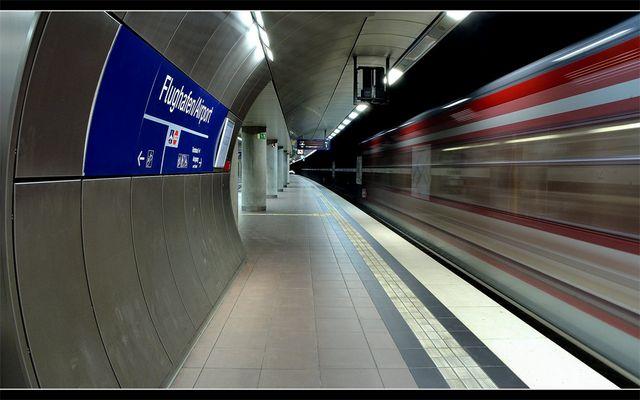 Flughafen Stuttgart - S-Bahnhof