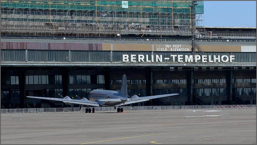 Flughafen Tempelhof - 164 feet