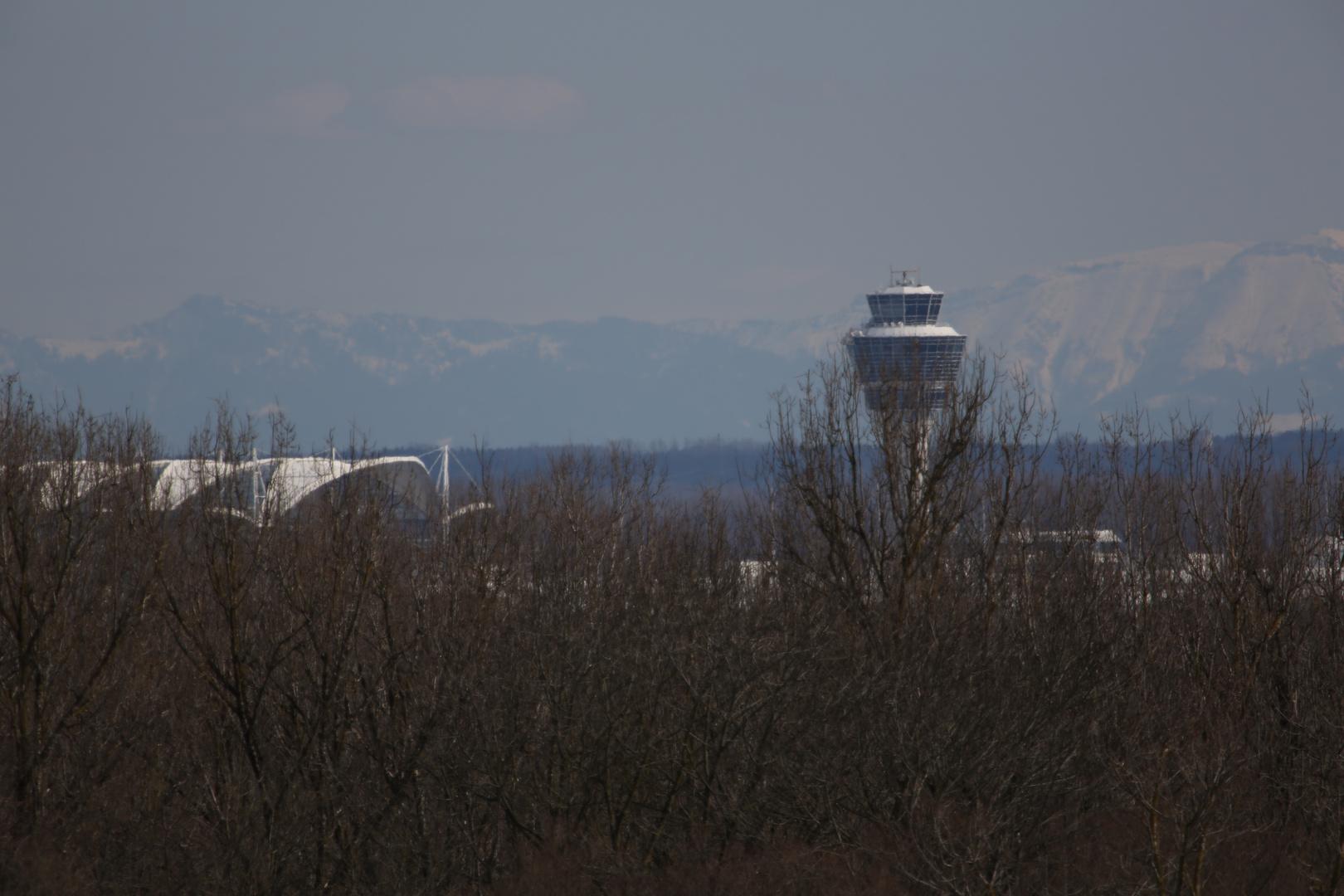 Flughafen Tower