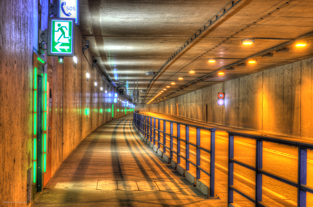 Flughafen Tunnel HDR