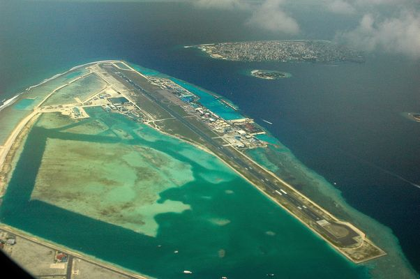 Flughafeninsel und Male