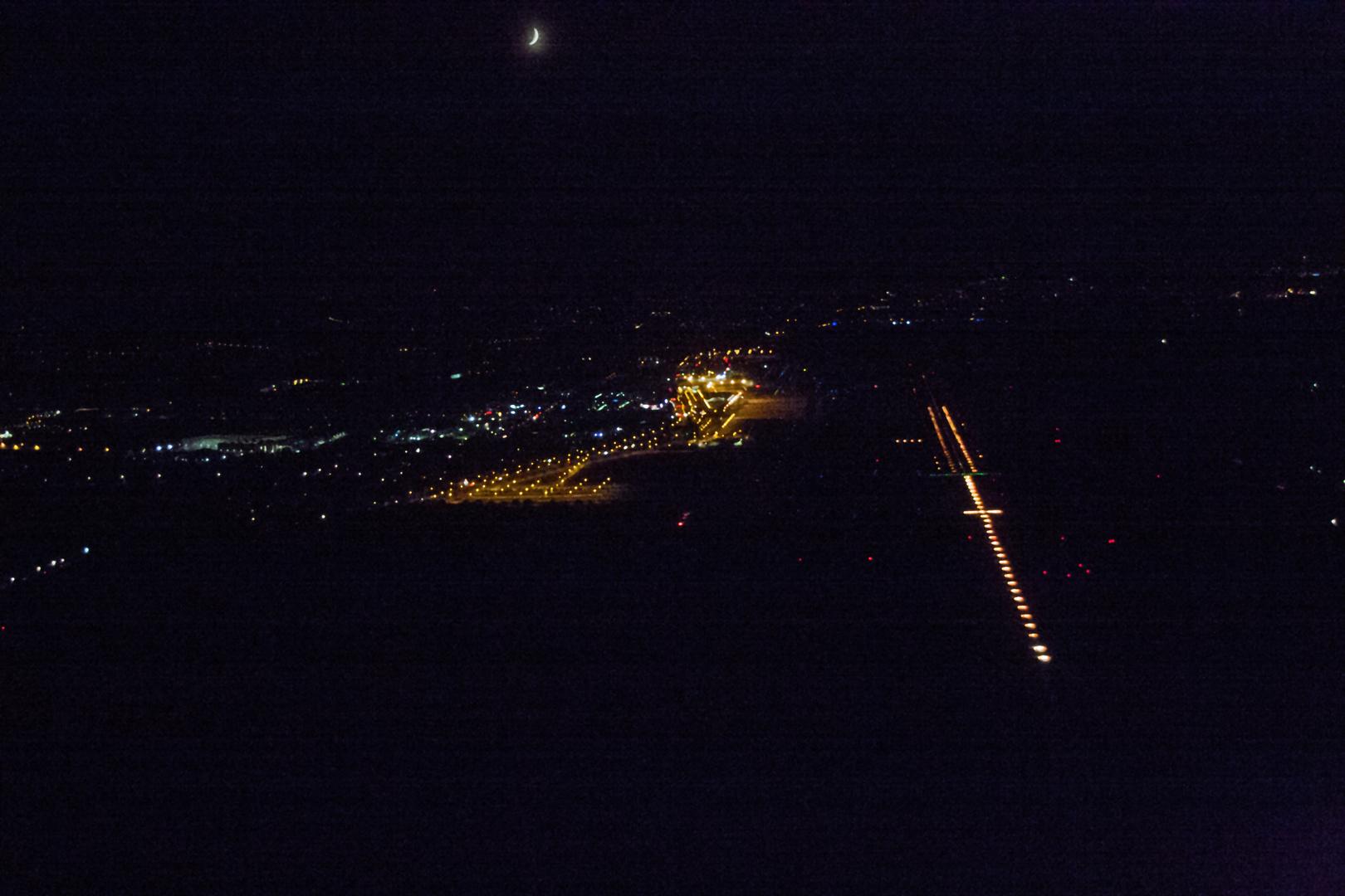 Flugplatz bei Nacht