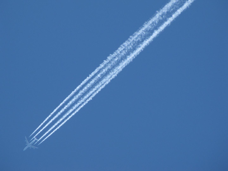 Flugzeug auf dem Weg von OR nach UL