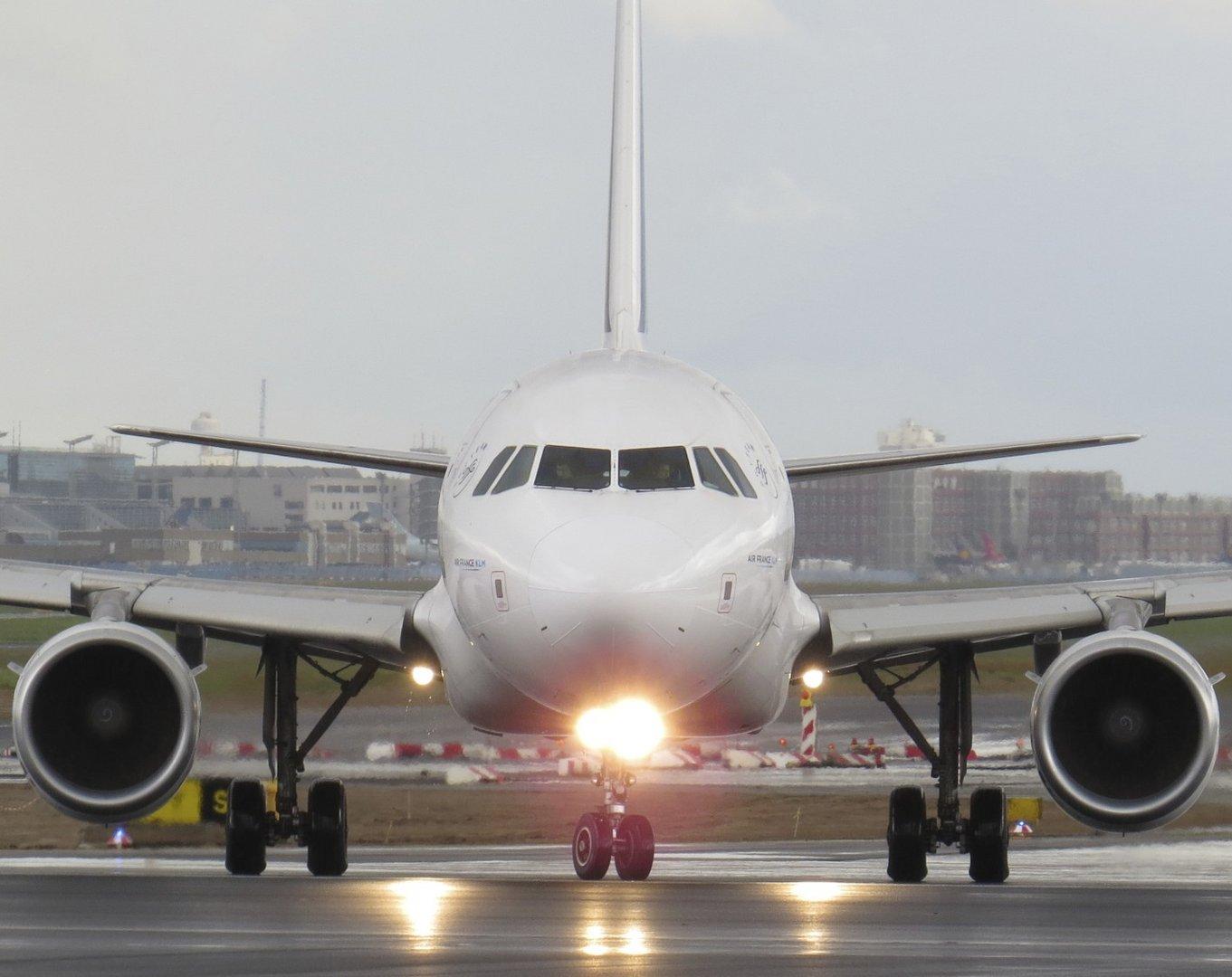 Flugzeug im Anrollen ! 2.0