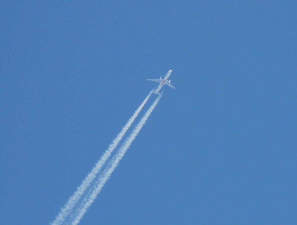 Flugzeug in 10000 Meter Höhe