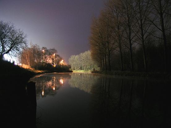 Fluss am Kraftwerk in Frimmersdorf