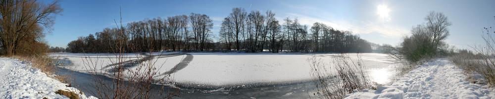 Fluss in Eis