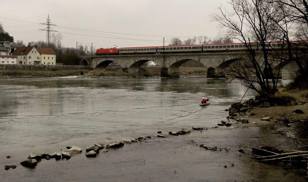 Fluss - Kajak - Bahn