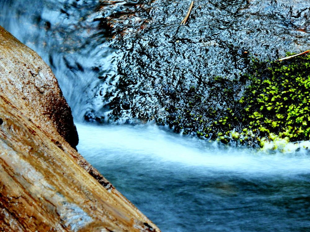 Flussfarben