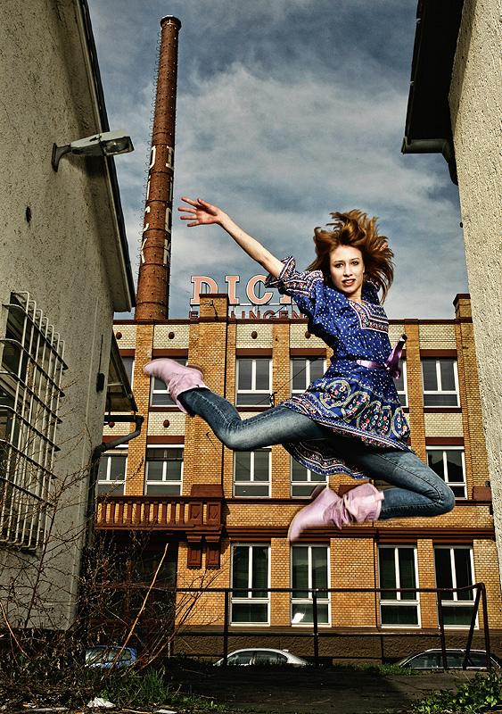 """Flying Carolin"""