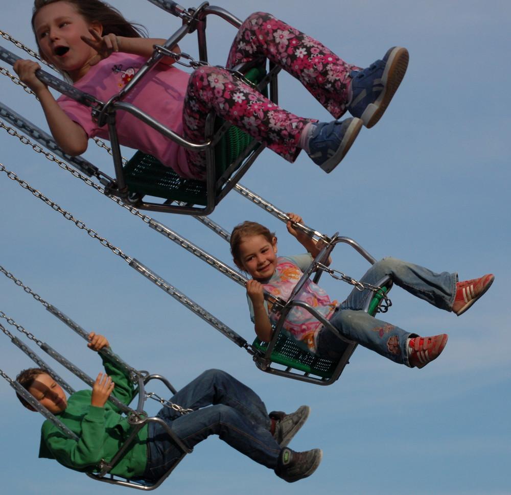 - Flying Kids (1) -