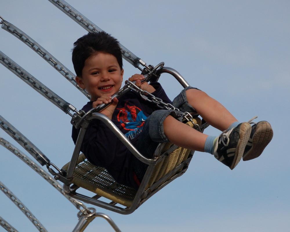 - Flying Kids (2) -