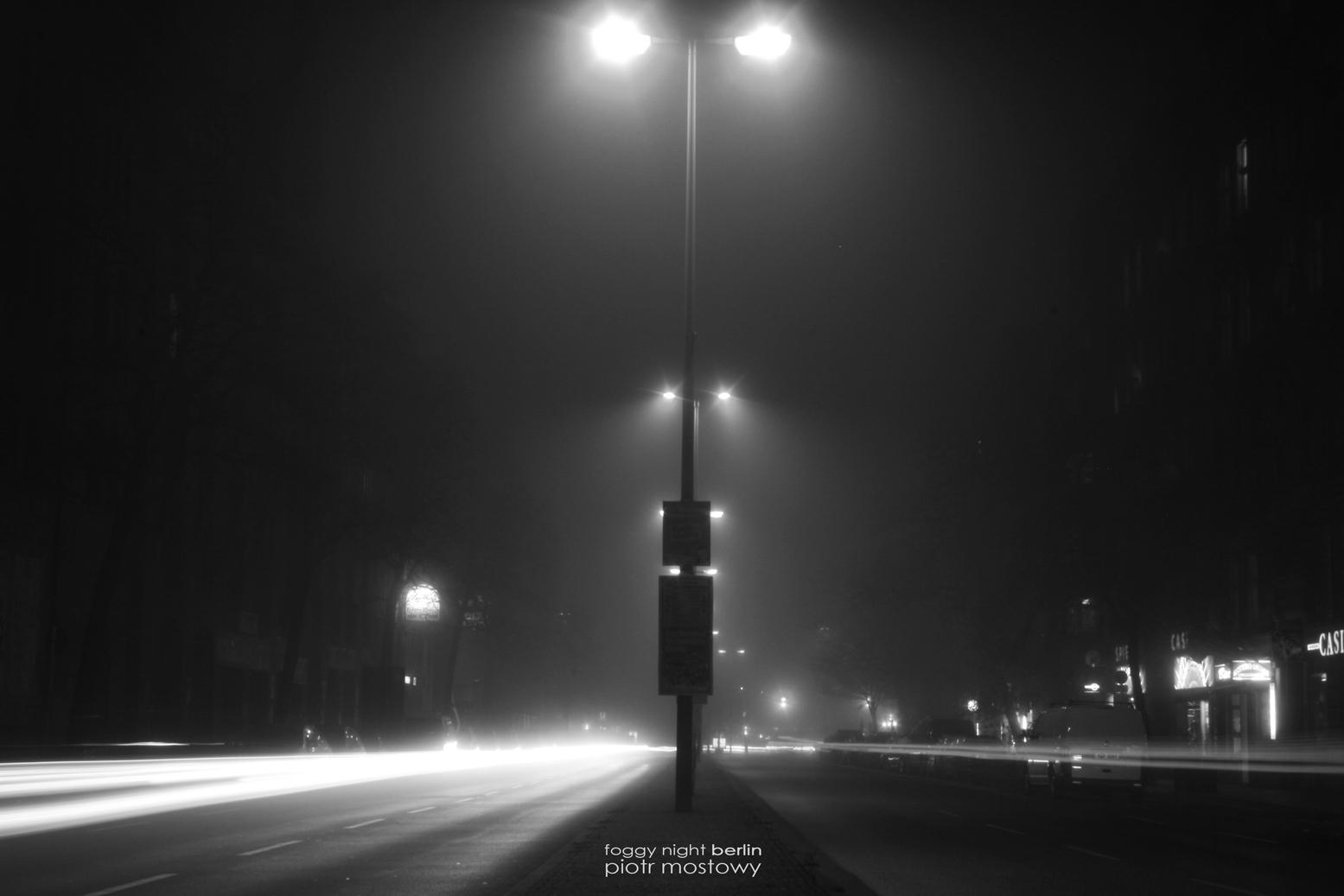 foggy-night-berlin