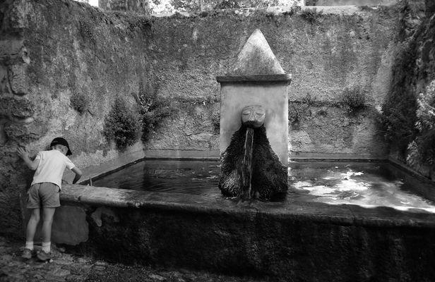 Fontaine à St Jean de Buèges