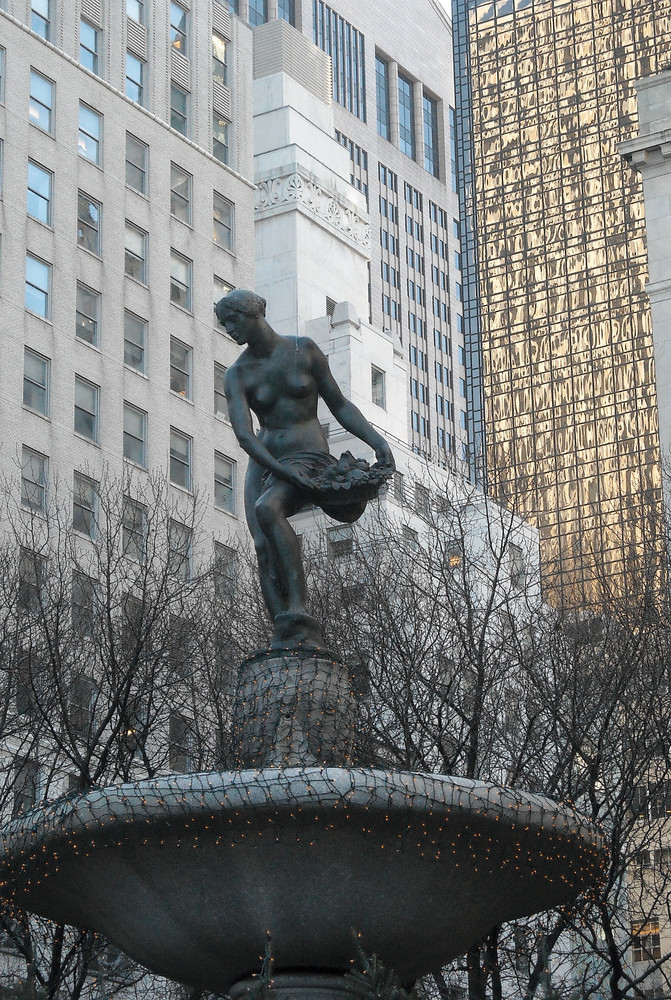 fontaine d'abondance prise à l'angle de la 5eme avenue et central park