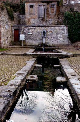 Fontaine et lavoir public à Andenne, Province de NAMUR (B)