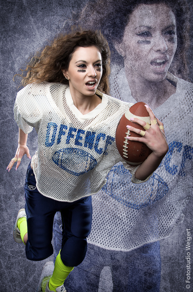 Football-Lady05