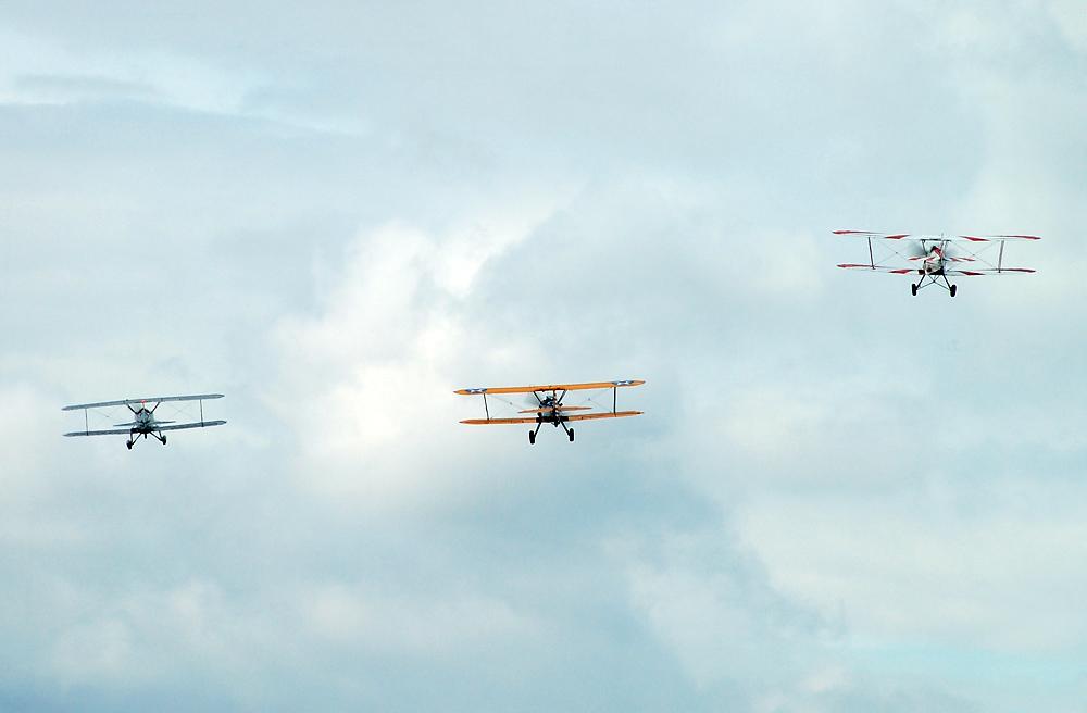 Formationsflug richtung Schloß Dyck / Classic Days